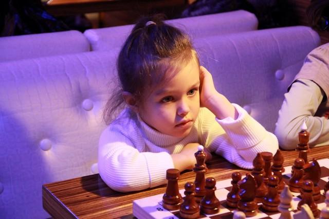 Шахматный турнир в Атриуме.