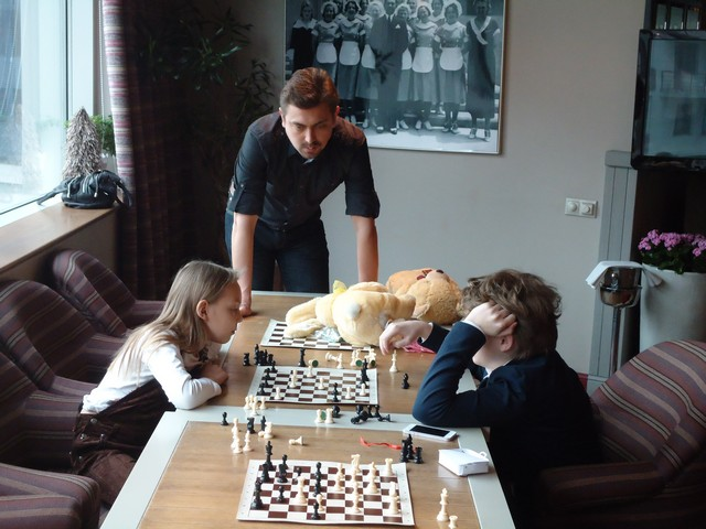 Мастер-класс по шахматам в LOTTE PLAZA