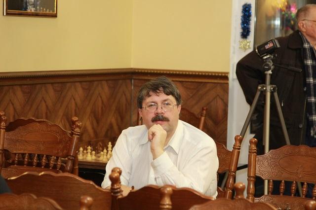 Международный арбитр Владимир Махнев